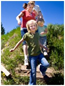 Take a weekend outing without taking out a loan! These family activities don't cost a penny.