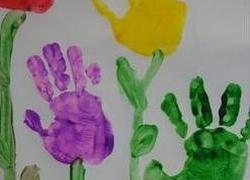 Kindergarten Arts & crafts Activities: Handprint Flowers