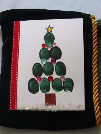 Preschool Holidays Activities: Thumbprint Christmas Tree Cards