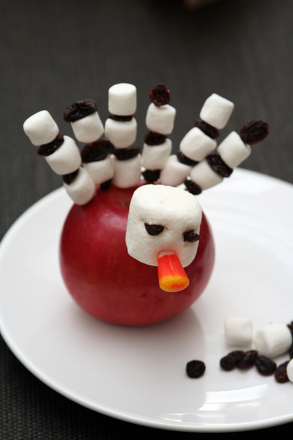 Preschool Holidays & Seasons Activities: Make an Apple Turkey!