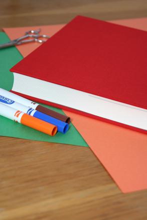 V-Pockets Book Cover | Book origami, Paper book, Book making | 440x293