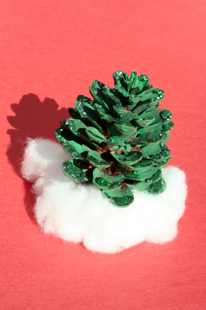 Kindergarten Holidays & Seasons Activities: Pine Cone Decorations