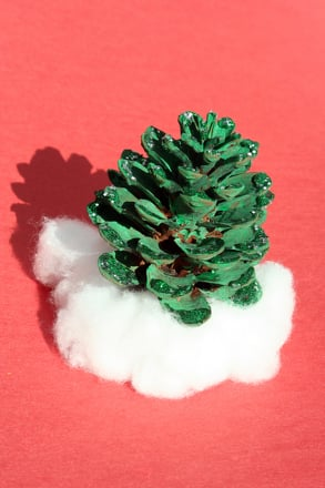 Kindergarten Holidays Activities: Pine Cone Decorations