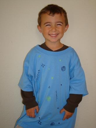Kindergarten Arts & crafts Activities: T-shirt Apron
