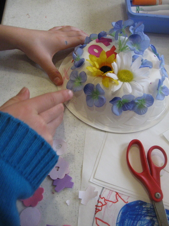 Preschool Arts & Crafts Activities: Make Paper Bowl Hats
