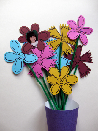 "Preschool Holidays Activities: Make ""Say Cheese"" Flowers"