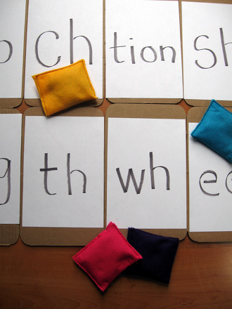 First Grade Reading & Writing Activities: Play Beanbag Letter Blend Toss