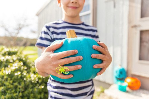 Preschool Holidays Activities: Teal Pumpkin Project Painting