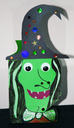 Second Grade Holidays Activities: Witch Halloween Card