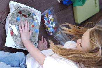 Kindergarten Holidays & Seasons Activities: How to Make a Stepping Stone