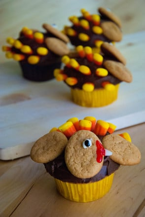 First Grade Holidays Activities: Turkey Cupcakes