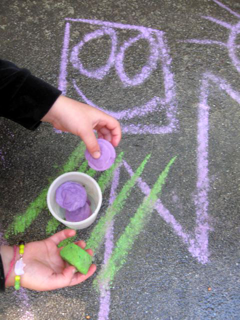 Third Grade Arts & Crafts Activities: Homemade Sidewalk Chalk