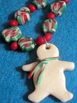 Third Grade Holidays & Seasons Activities: Bead Craft: Holiday Necklace