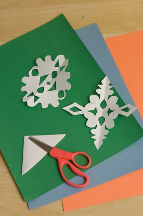 Preschool Math Activities: Make Snowflake Counting Cards