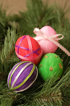 Fourth Grade Holidays Activities: Craft a Blown Egg Ornament
