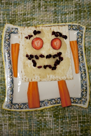 Kindergarten Holidays & Seasons Activities: Make Matzoh People