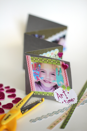 "Kindergarten Holidays & Seasons Activities: Make a ""First Day"" Photo Book"