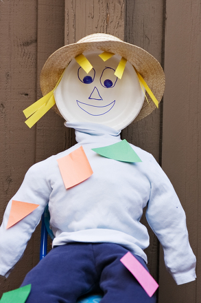 Kindergarten Holidays & Seasons Activities: Make a Mr. Shape Scarecrow