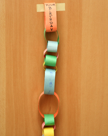 Kindergarten Math Activities: Make a Paper Chain Calendar