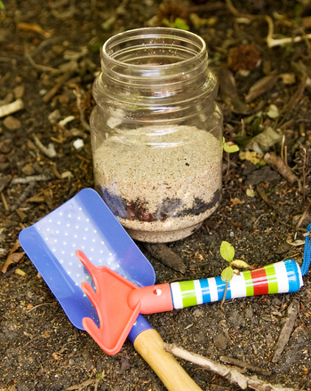 Kindergarten Science Activities: Learn the Layers: Become a Dirt Expert