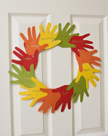 Second Grade Holidays & Seasons Activities: 'Handy' Thanksgiving Wreath