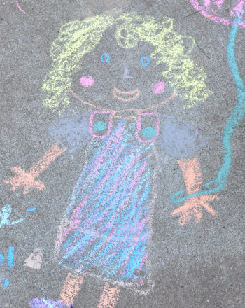 Kindergarten Offline games Activities: Draw Sidewalk Chalk Family Portraits
