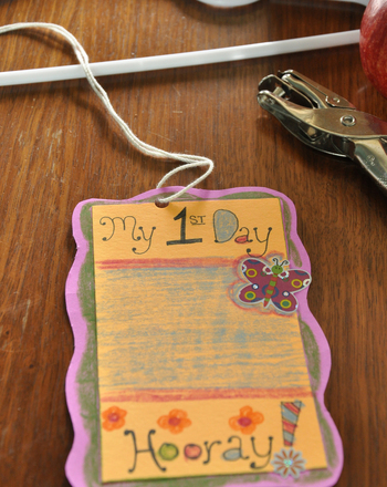 Kindergarten Holidays & Seasons Activities: First Day of School Craft