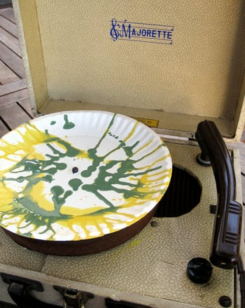 Preschool Arts & crafts Activities: Turntable Art