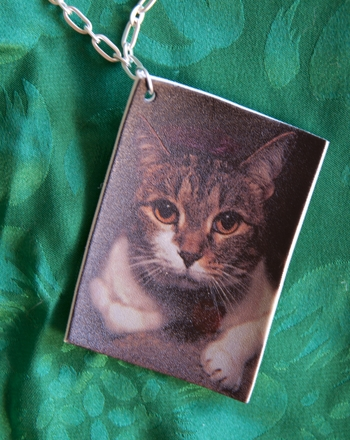 Middle School Arts & Crafts Activities: Make Jewelry Using Your Favorite Photos!
