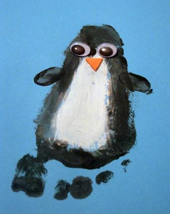 Kindergarten Arts & crafts Activities: Footprint Penguin