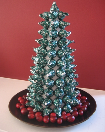 Kindergarten Math Activities: Make a Hershey's Kiss Christmas Tree
