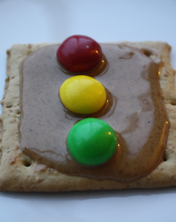 Kindergarten Recipes Activities: Make a Stop Light Snack!