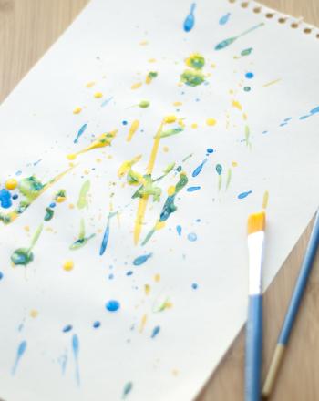 Preschool Arts & crafts Activities: Paint Like Jackson Pollock!