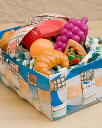 Fourth Grade Arts & Crafts Activities: How to Make a Picnic Basket