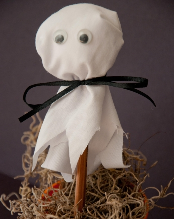 First Grade Holidays & Seasons Activities: Ghost Pen