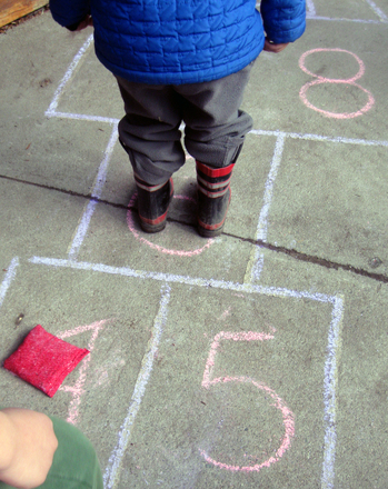 Kindergarten Offline games Activities: Play Original Hopscotch!