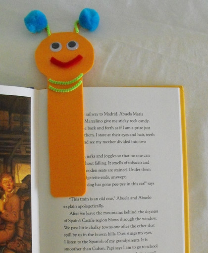 Fourth Grade Arts & crafts Activities: Bookworm Bookmark