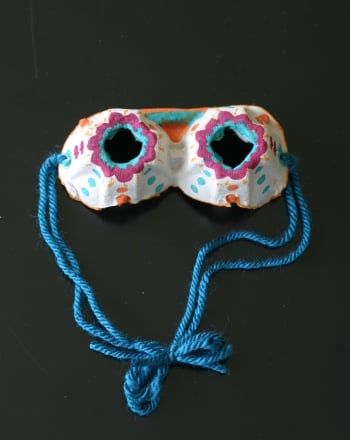 Preschool Arts & crafts Activities: Egg Carton Goggles
