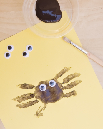 Kindergarten Holidays & Seasons Activities: Handprint Spider
