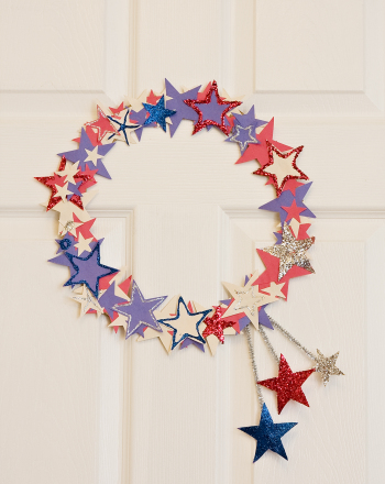 Kindergarten Holidays & Seasons Activities: Star-Spangled Wreath