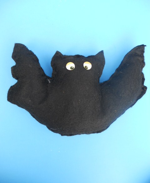 Second Grade Holidays Activities: Bat Craft