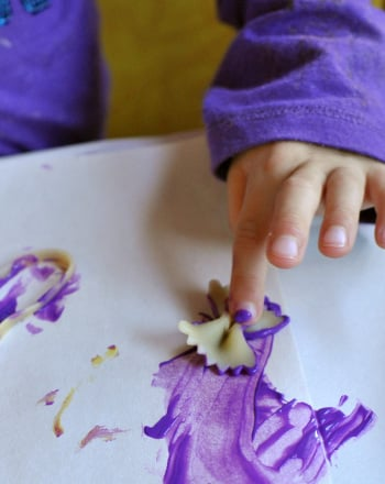 Preschool Arts & crafts Activities: Spaghetti Painting