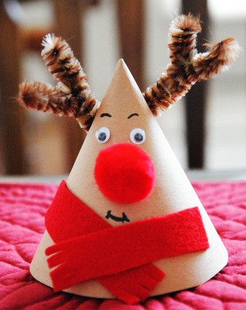 First Grade Holidays & Seasons Activities: Paper Reindeer
