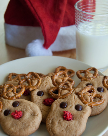 Kindergarten Recipes Activities: Pretzel Reindeer Cookies