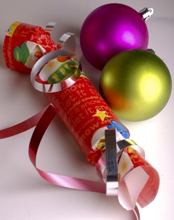 First Grade Holidays & Seasons Activities: Homemade Christmas Crackers