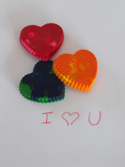Preschool Holidays Activities: Crayon Hearts