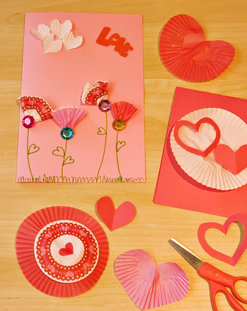Second Grade Holidays & Seasons Activities: Cupcake Paper Craft