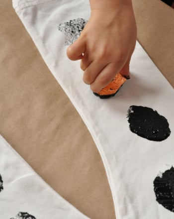 Kindergarten Arts & crafts Activities: Dalmatian Costume