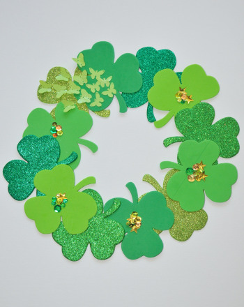 Third Grade Holidays Activities: Shamrock Wreath