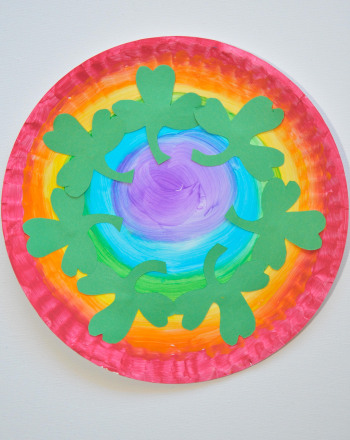Second Grade Holidays Activities: Rainbow Plates